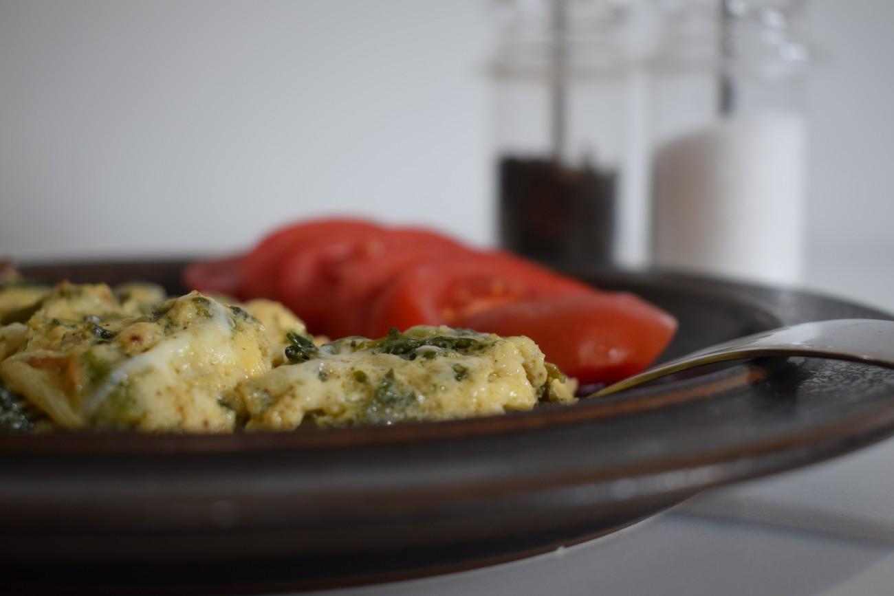 Ομελέτα με τυρί και σπανάκι